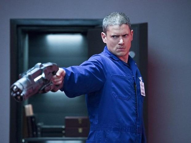 Saison 2 : Photos promos du 2×03 – Captain Cold is Back