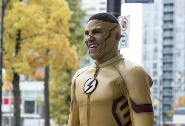 Les photos promos du 3×10 de The Flash : Borrowing Problems From the Future