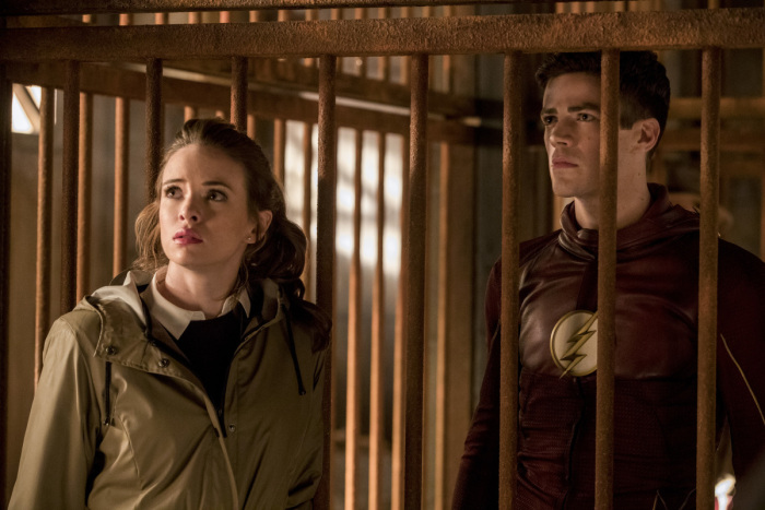 Les photos promos du 3×13 de The Flash : Attack on Gorilla City